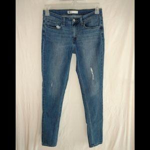 Levi's skinny jeans medium wash size 30